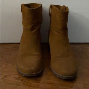 Kenneth Cole Suede ankle boots